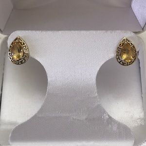 10KG Pear Shaped Citrine Post Earrings
